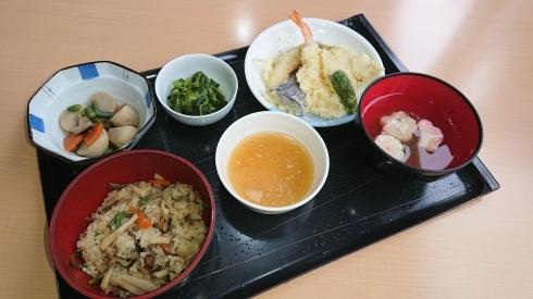 今日のお昼ご飯_d0178056_13584214.jpg