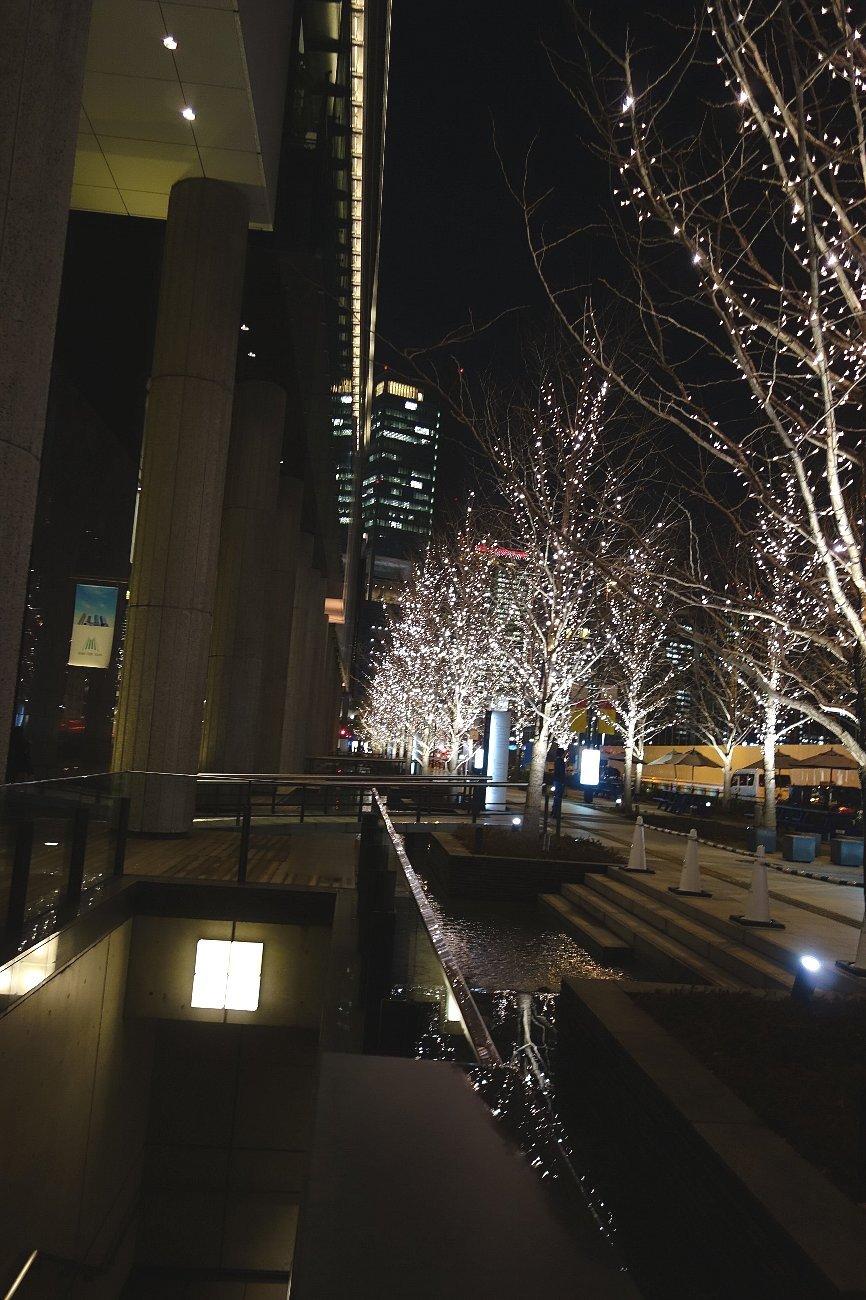 グランフロント大阪 せせらぎの道_c0112559_08264818.jpg