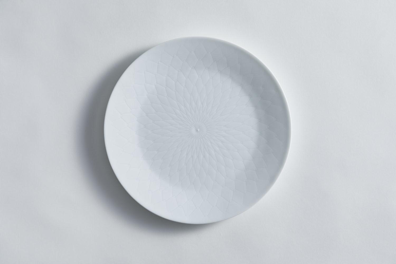 3月のうつわ『彫付 丸皿』_f0220354_16112024.jpeg