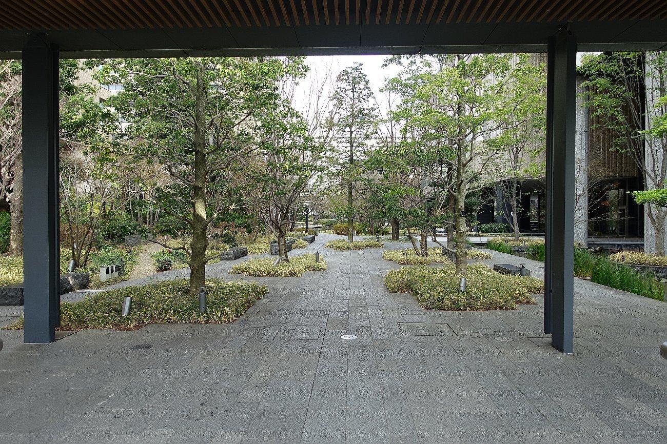 グランフロント大阪 ザ・ガーデン_c0112559_08245008.jpg