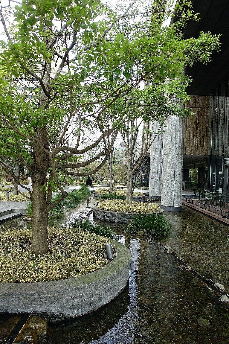 グランフロント大阪 ザ・ガーデン_c0112559_08252690.jpg