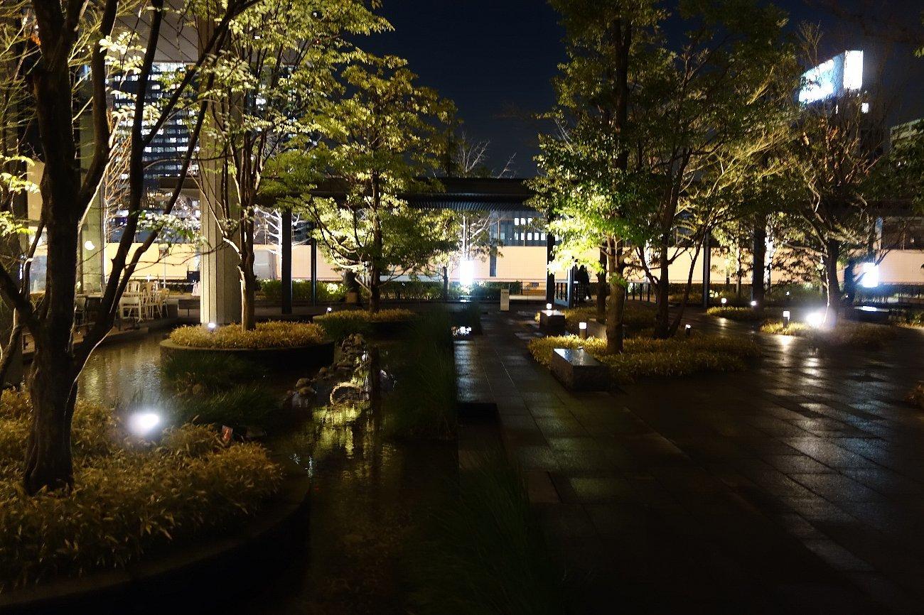 グランフロント大阪 ザ・ガーデン_c0112559_08344386.jpg
