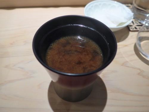 渋谷「熟成鮨 万」へ行く。_f0232060_1851745.jpg
