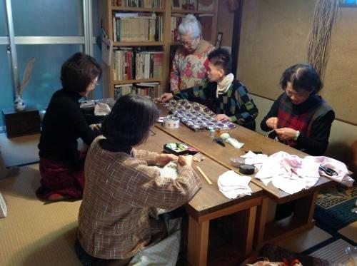 春を迎える『ちくちく手縫いの会』ご報告_b0153663_23251634.jpeg