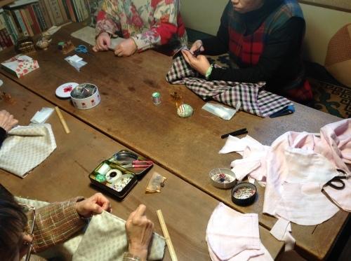 春を迎える『ちくちく手縫いの会』ご報告_b0153663_23355451.jpeg