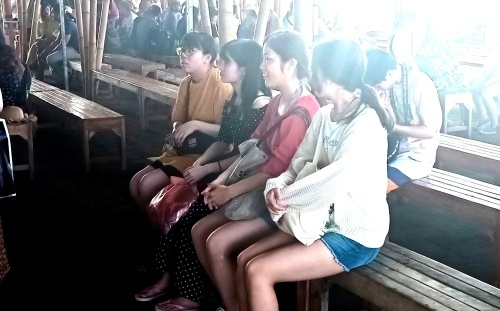 今朝の桟橋は日本人がいっぱい_d0083068_10314770.jpg