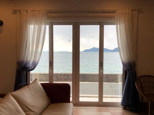しまなみの海沿いの素敵な邸宅①_f0196294_17065443.jpg