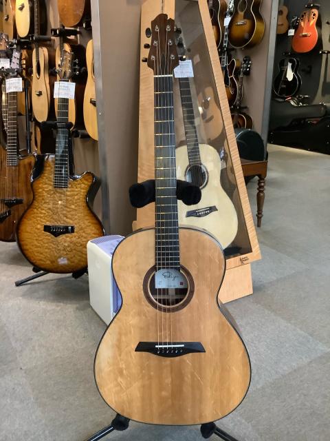 越前ギター、これは素晴らしい!_a0334793_16003870.jpg
