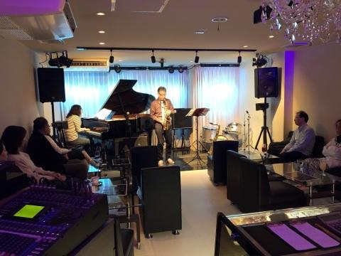 Jazzlive Cominジャズライブカミン  本日2月29日土曜日 レーザーディスク上映会です_b0115606_11145251.jpeg