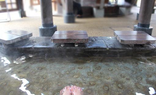 温泉と猫は似合うね☆別府・鉄輪温泉の路地裏とまったりな猫たち_a0329820_17530602.jpg
