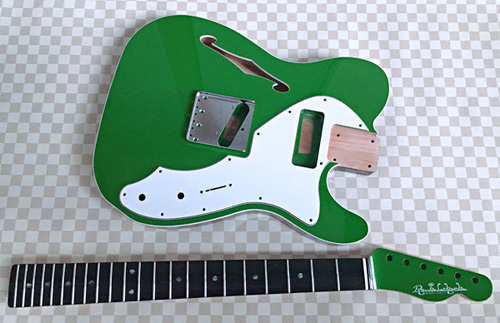 オーダーものを含む計.3種のギターの塗装が完了です!_e0053731_16555869.jpeg