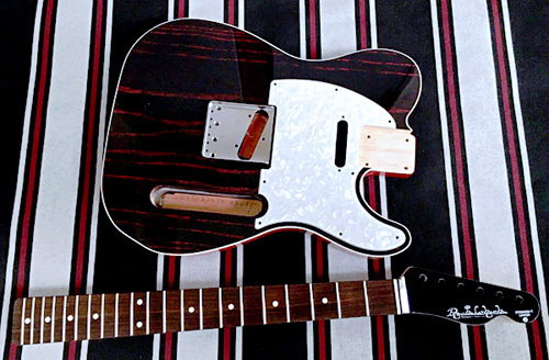 オーダーものを含む計.3種のギターの塗装が完了です!_e0053731_16560272.jpeg