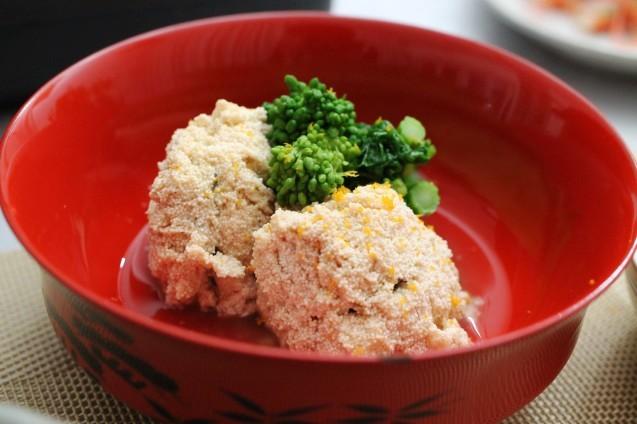 あさりと豆腐と春菊のお鍋_d0377645_22330386.jpg