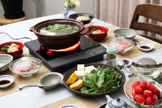 あさりと豆腐と春菊のお鍋_d0377645_22331637.jpg
