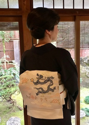 新年会・三枡文の着物に龍の帯・道明帯締のお客様。_f0181251_15042326.jpg
