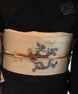 新年会・三枡文の着物に龍の帯・道明帯締のお客様。_f0181251_15050308.jpg