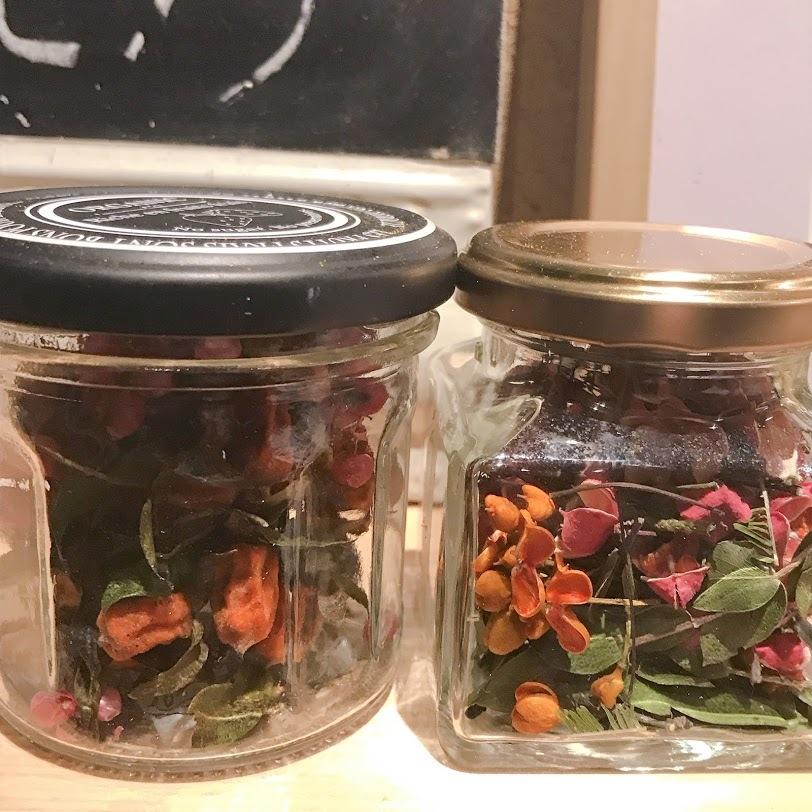 こぼれ花やこぼれ実を・・・「拾っては瓶に集めていたら!」編_e0359584_00390391.jpg