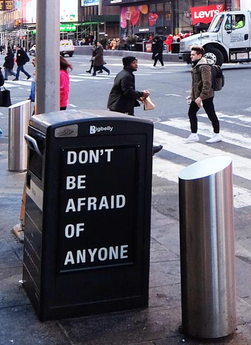 """""""I have a dream""""(わたしには夢がある)+""""Don\'t be afraid of anyone""""(誰も恐れるな)_b0007805_03230954.jpg"""