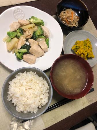 鶏肉とブロッコリーのオイマヨ炒め_d0235108_20132745.jpg