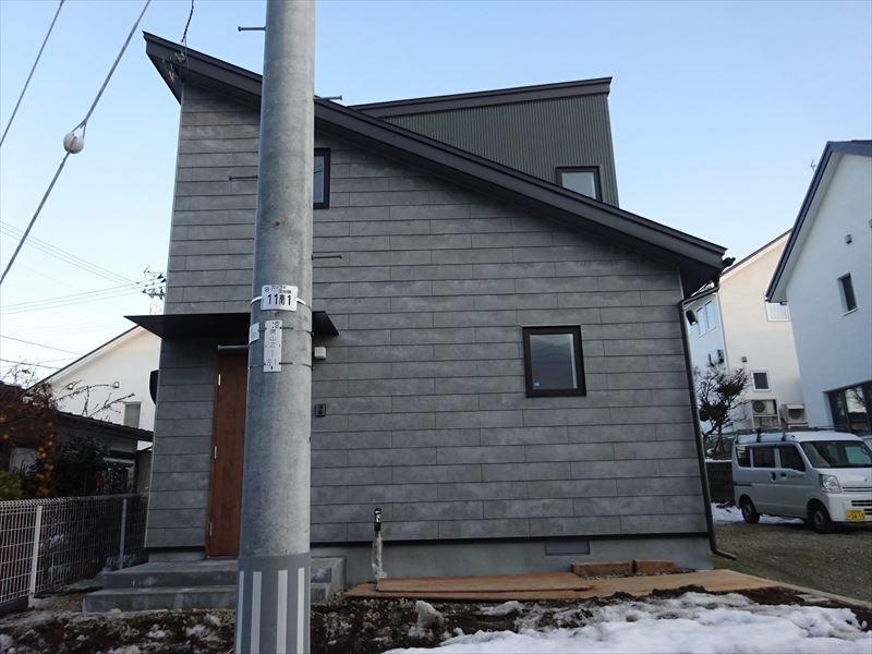 滝沢 穴口の家 完成写真!_f0105112_05062701.jpg