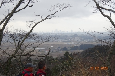 春まだ早いハイキング(県民の森)_e0265627_13290128.jpg