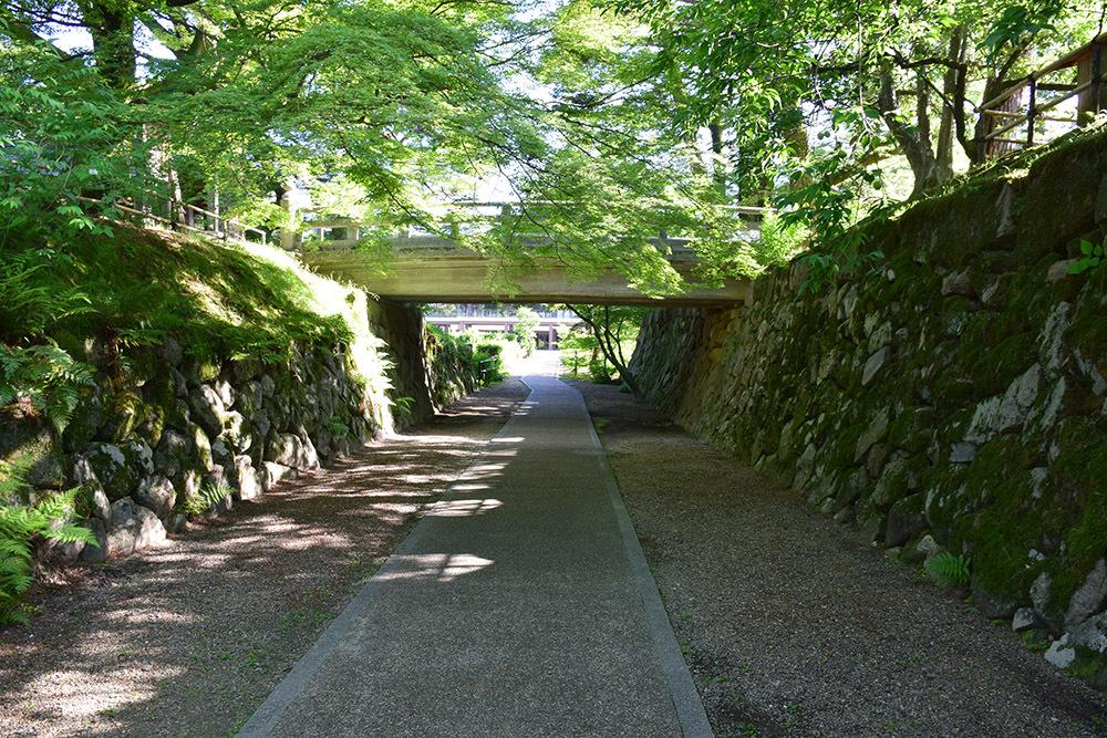 丹波亀山城を歩く。 その1 <大本・天恩郷>_e0158128_19365341.jpg