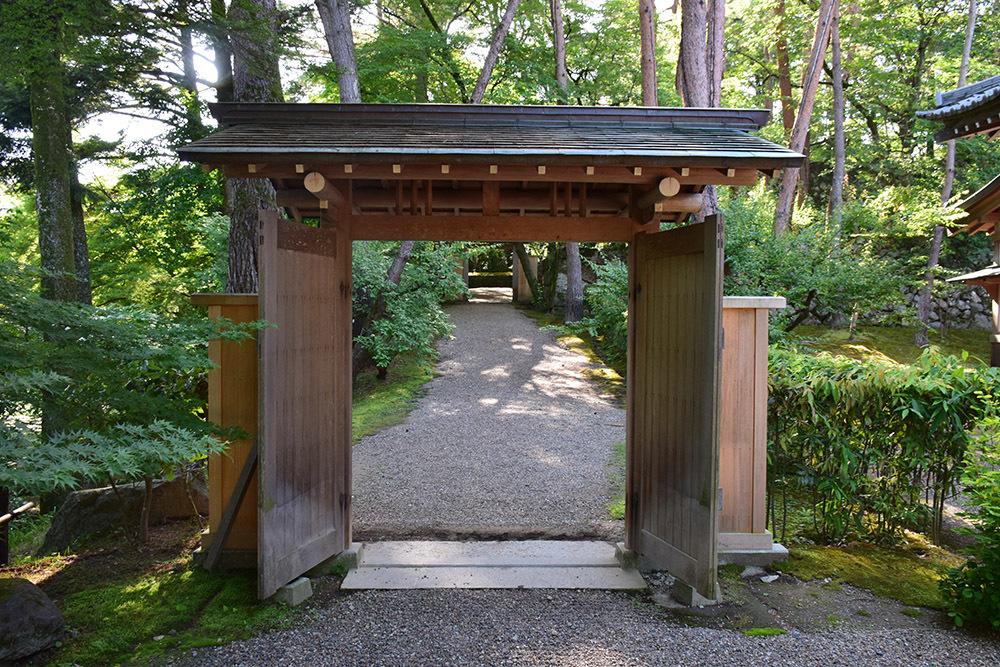 丹波亀山城を歩く。 その1 <大本・天恩郷>_e0158128_19390799.jpg