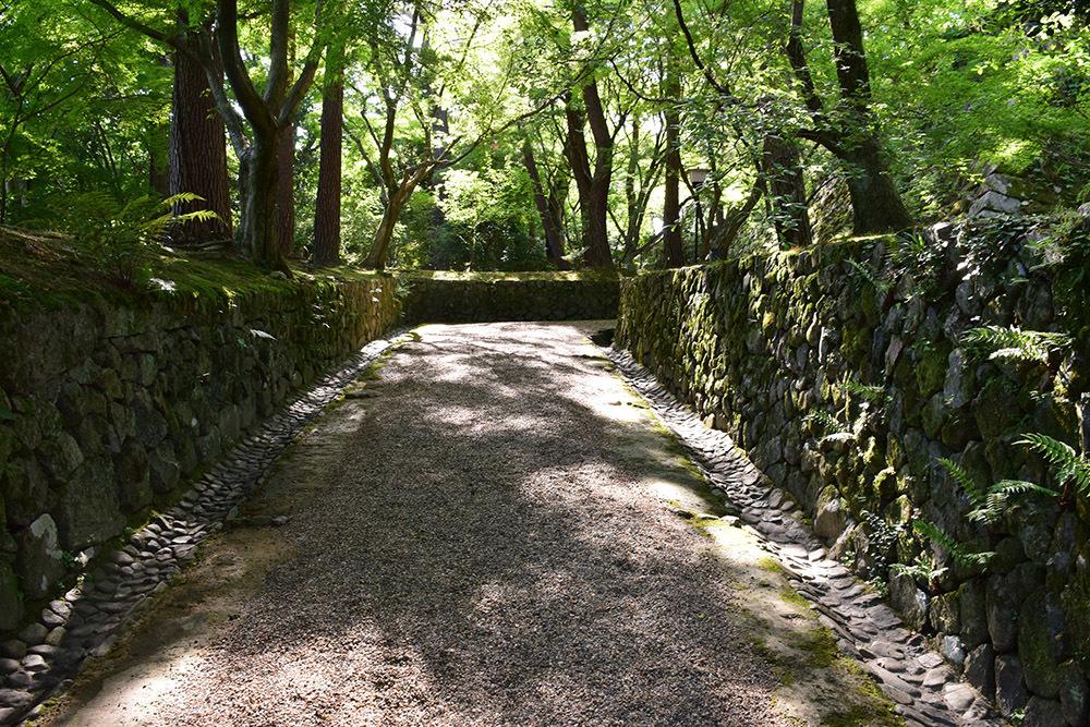 丹波亀山城を歩く。 その1 <大本・天恩郷>_e0158128_19410063.jpg