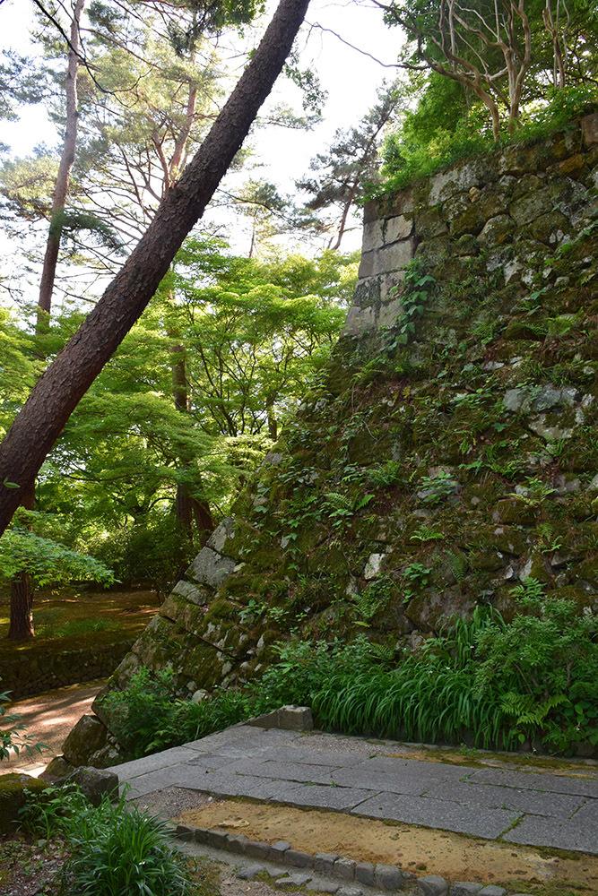 丹波亀山城を歩く。 その1 <大本・天恩郷>_e0158128_19481406.jpg