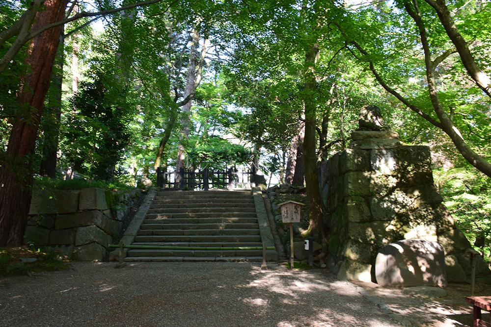 丹波亀山城を歩く。 その1 <大本・天恩郷>_e0158128_19550390.jpg