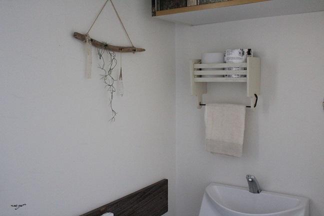 子育てサイト『いこーよ』トイレ収納を100均リメイクで紹介中♪_f0023333_23001950.jpg