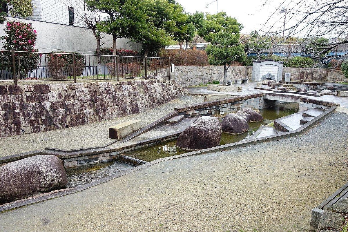 枚方市 水面廻廊_c0112559_09372101.jpg