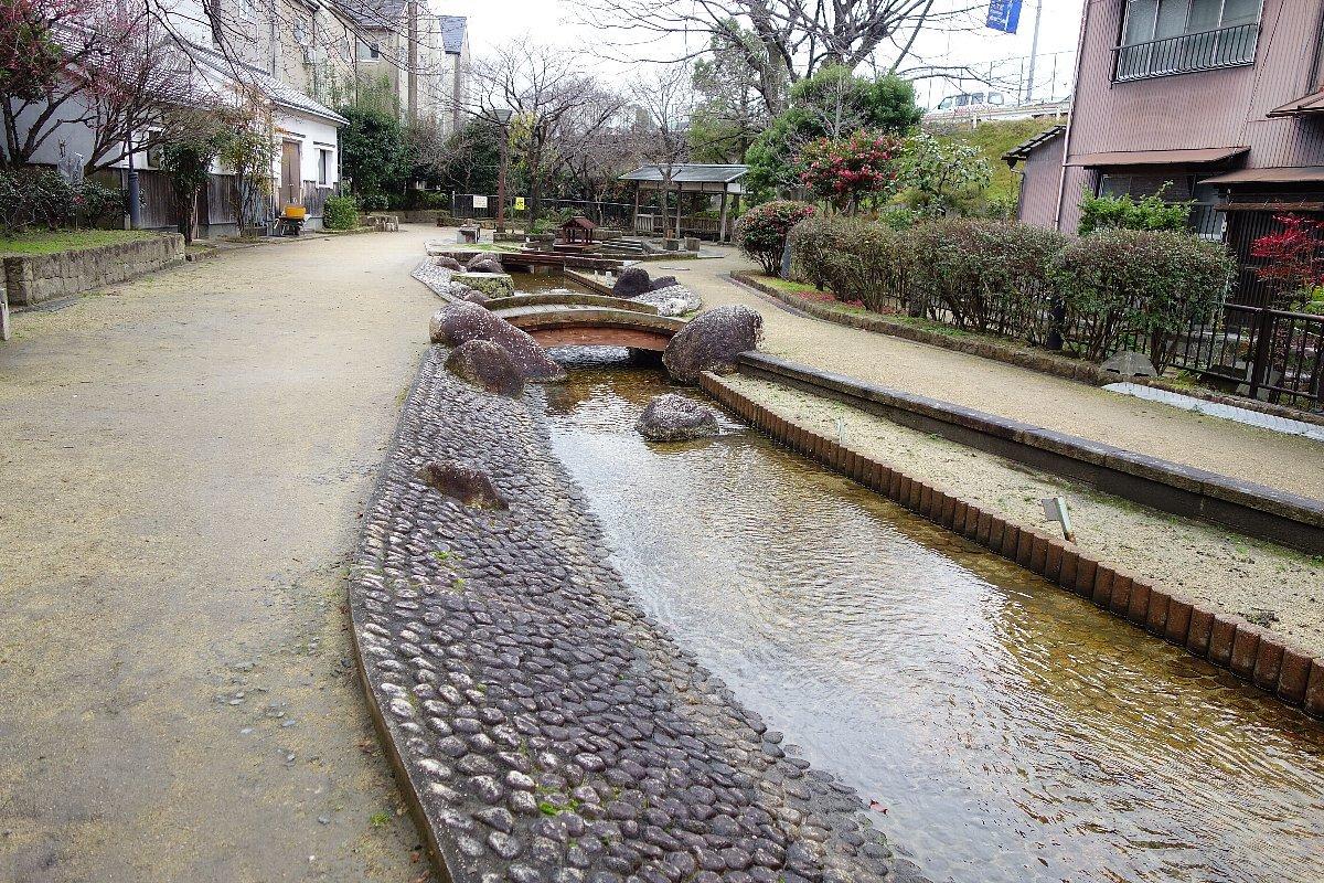枚方市 水面廻廊_c0112559_09393874.jpg