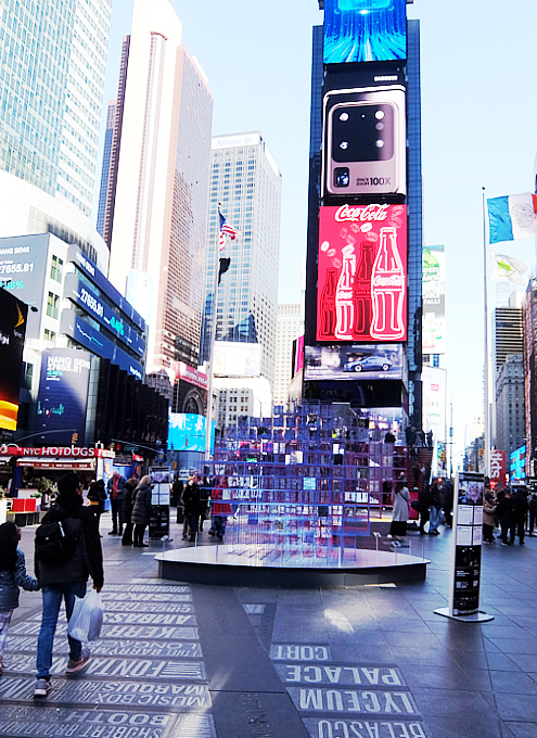 "Love in Times Sq. 恒例の愛のアート、2020年は""Heart Squared""_b0007805_23451265.jpg"