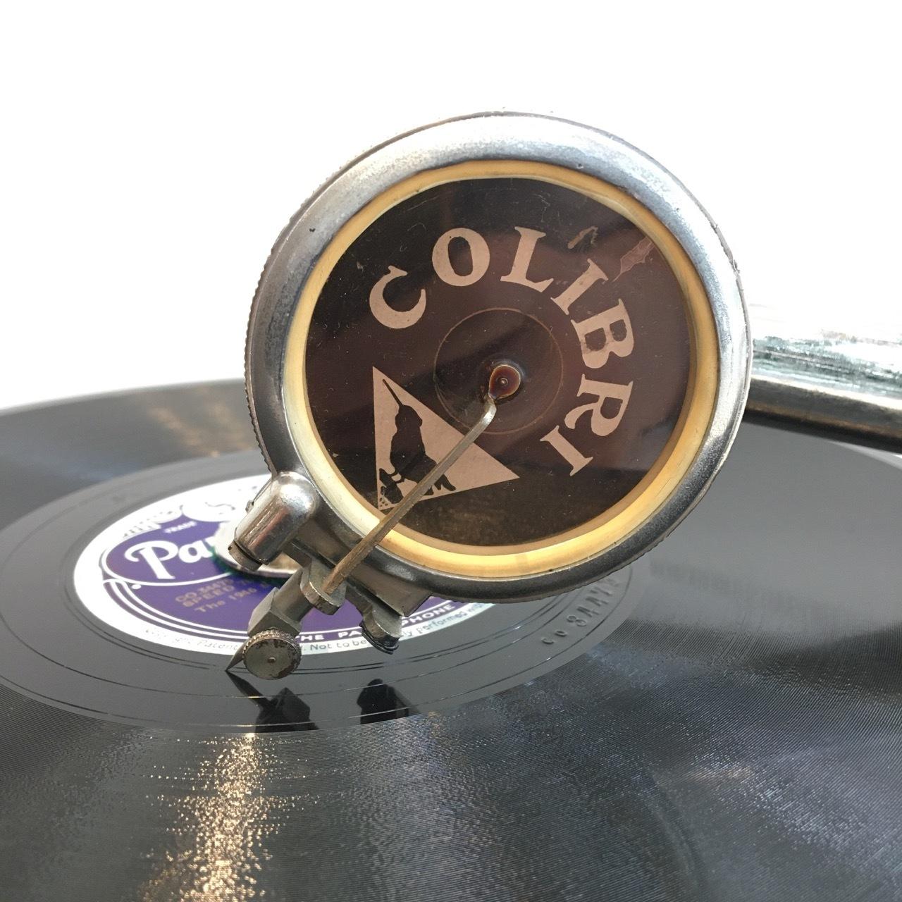 ベルギーの豆蓄音機「コリブリ」_a0047010_11555737.jpg