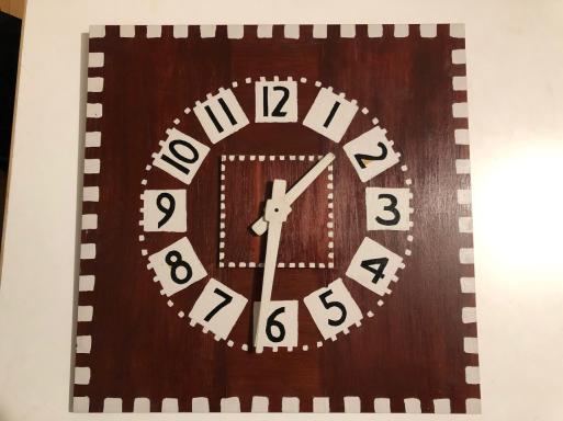 毎日見る時計。スズキ事務所の時計はこれです。_d0057843_23090831.jpg
