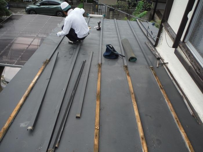 駐車場、屋根、玄関、室内 ~ 工事開始前に台風被害です。_d0165368_03344231.jpg