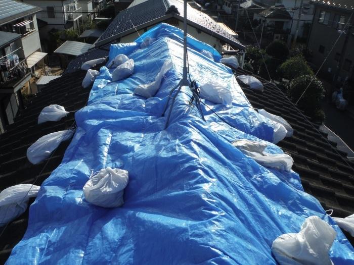 駐車場、屋根、玄関、室内 ~ 工事開始前に台風被害です。_d0165368_03353758.jpg