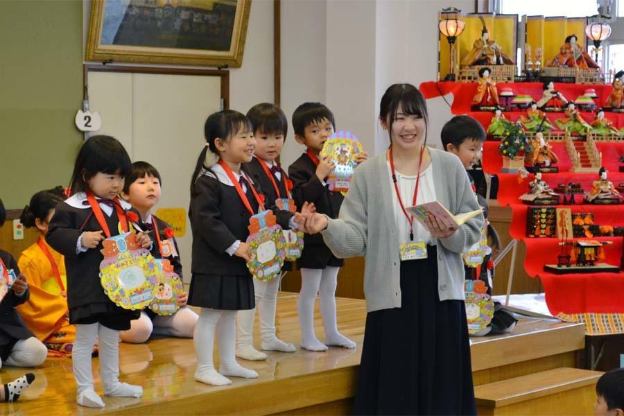 第二幼稚園の「お誕生会」_d0353789_09413730.jpg