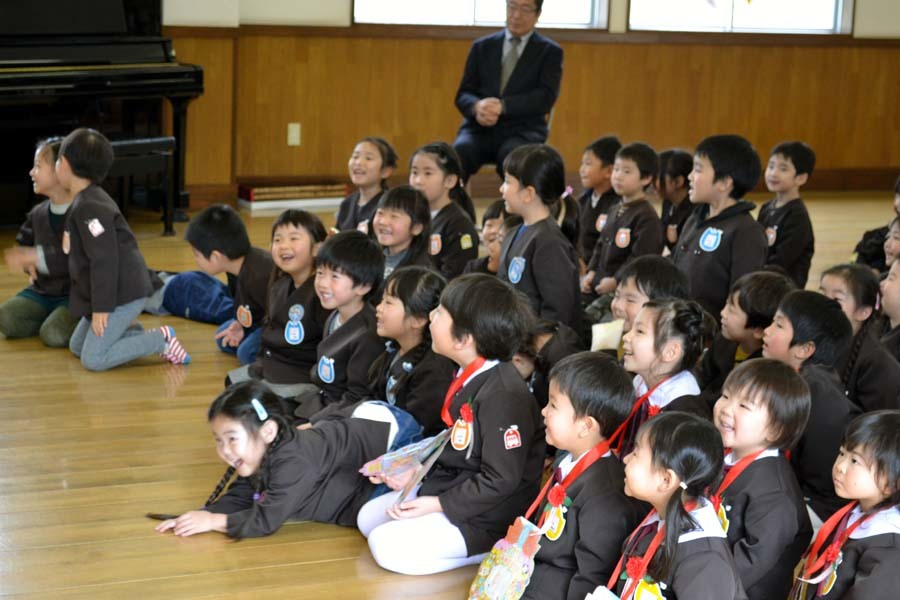第二幼稚園の「お誕生会」_d0353789_09425062.jpg