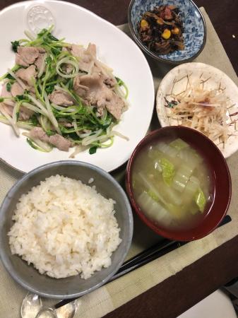 豚肉と豆苗の炒め物_d0235108_19345140.jpg