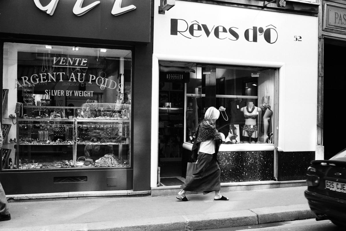 【大陸横断2000その37】パリ  世界の下町をモノクロで_b0061717_01214919.jpg
