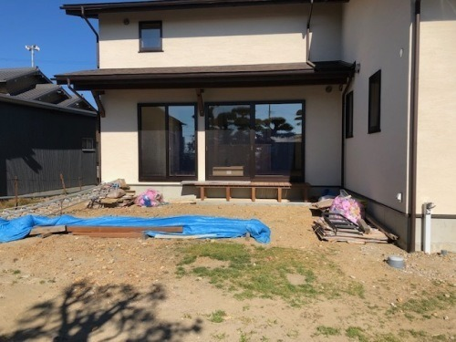 ガーデン工事しています。_b0239082_19415804.jpg