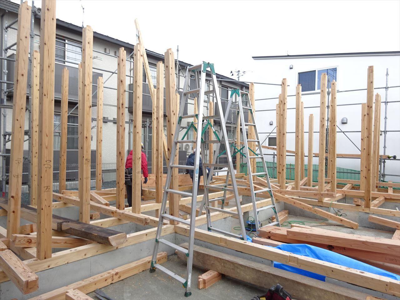 下太田 古材新築の家 建て方作業スタート!_f0105112_04292032.jpg