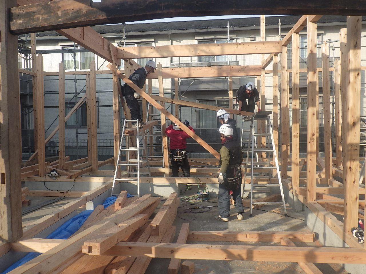 下太田 古材新築の家 建て方作業スタート!_f0105112_04355068.jpg