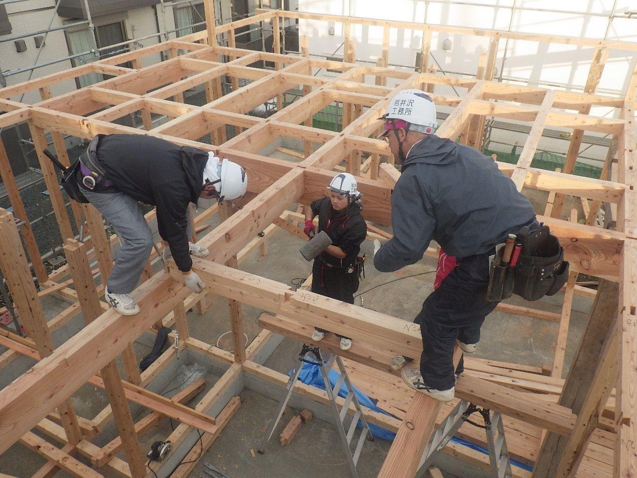 下太田 古材新築の家 建て方作業スタート!_f0105112_04425578.jpg