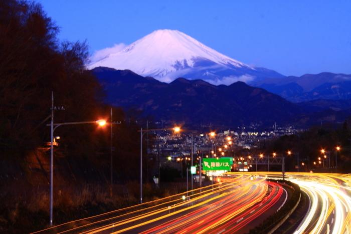 令和2年2月の富士 (26) 東名高速の夜明けの富士_e0344396_17024681.jpg