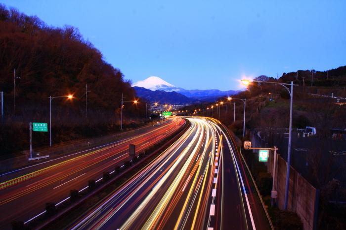 令和2年2月の富士 (26) 東名高速の夜明けの富士_e0344396_17024772.jpg