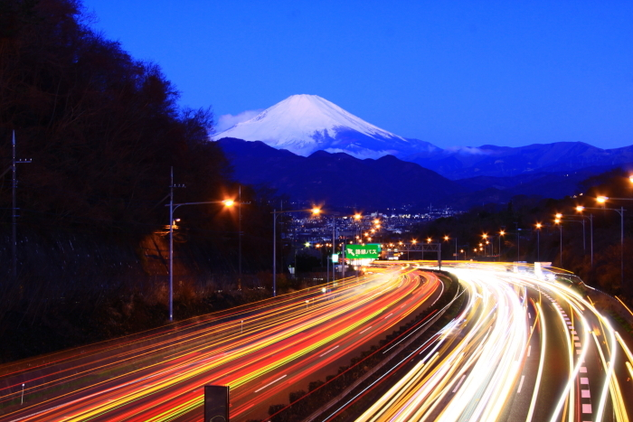 令和2年2月の富士 (26) 東名高速の夜明けの富士_e0344396_17024778.jpg