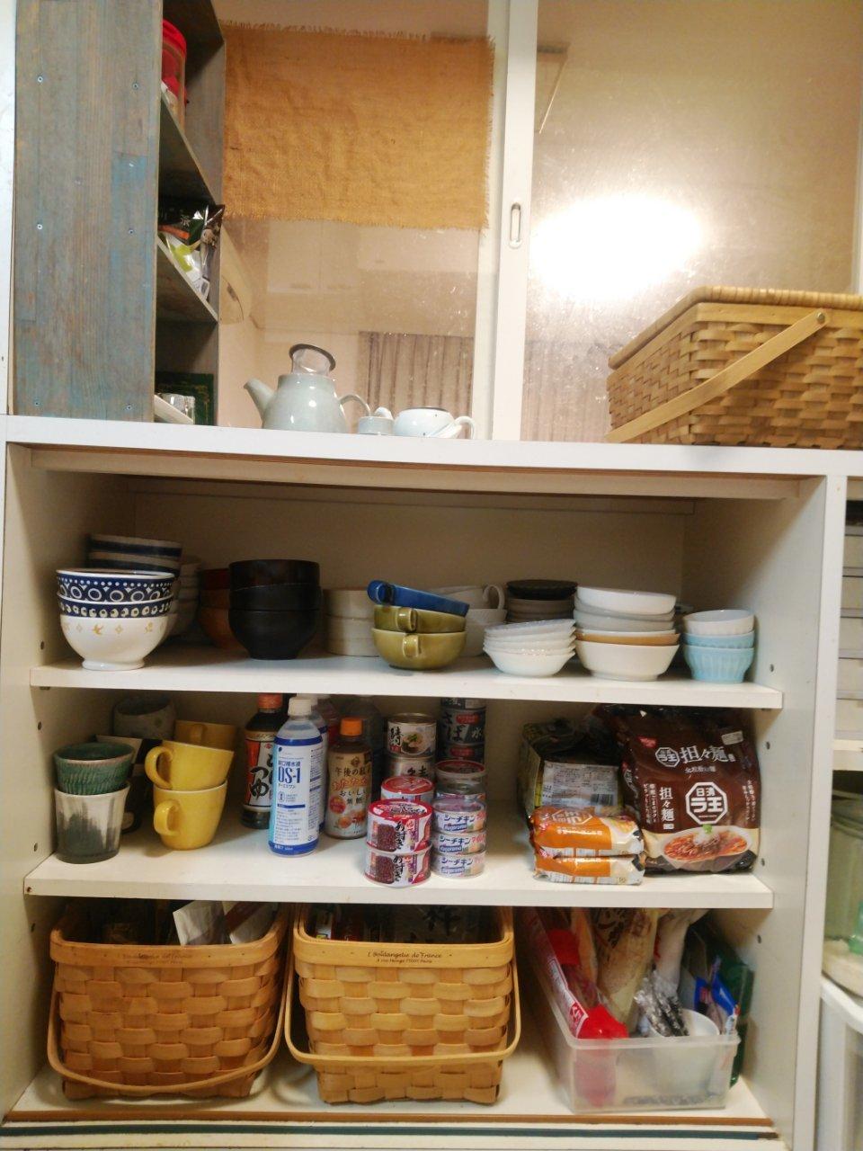 台所の棚_f0255704_18583291.jpg